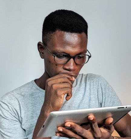 Kenya to License Bloggers and Facebook/WhatsApp Group Creators